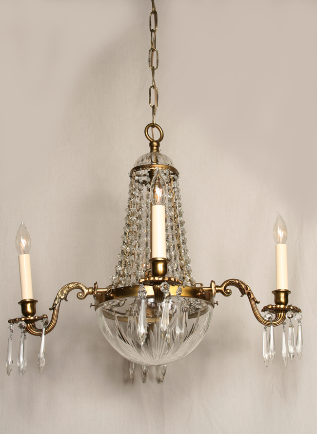 Classic Empire Chandelier With Crystal Bowl And Prisms C