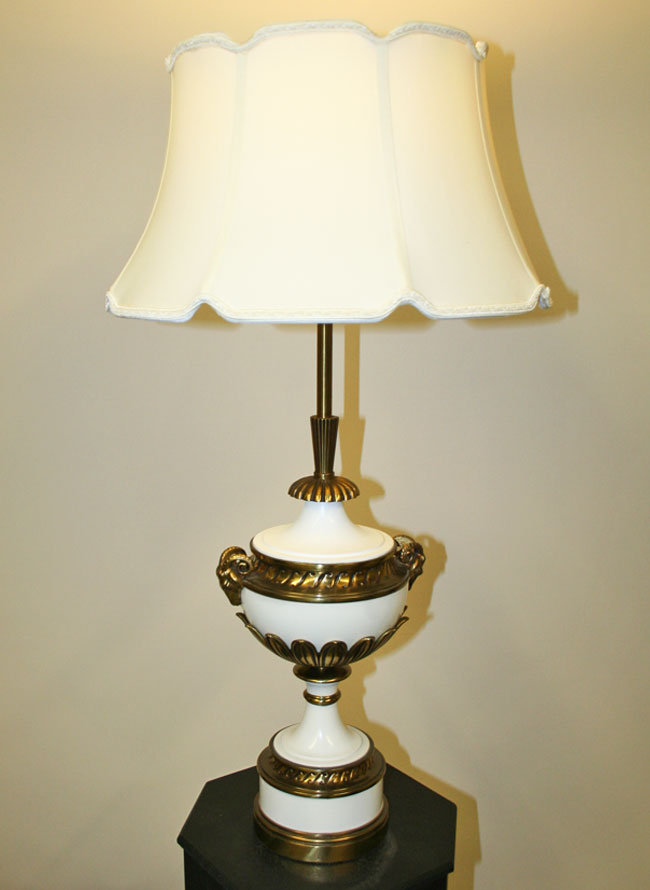 Pair Of Stiffel Pineapple Hollywood Regency Table Lamps C