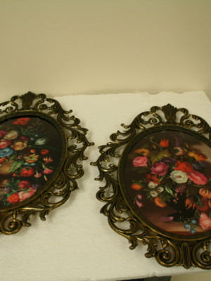 Mid Century Oval Floral Print in Brass Filigree Frame w/ Convex Glass
